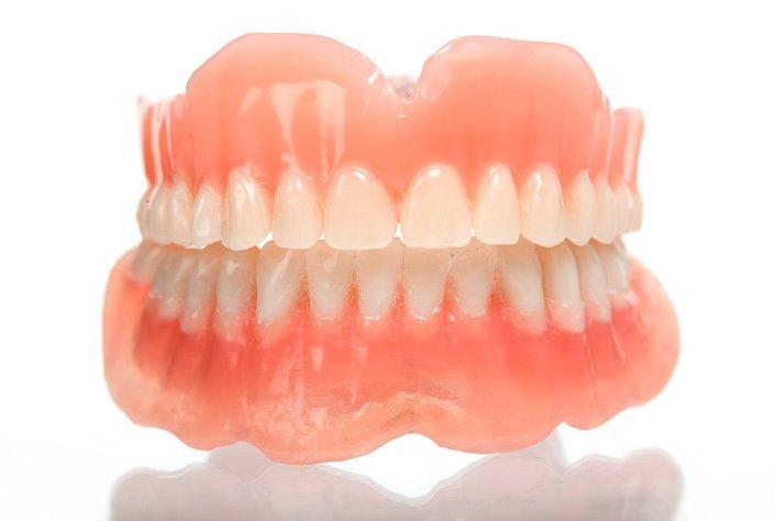 Зубные протезы из акриловой пластмассы цена